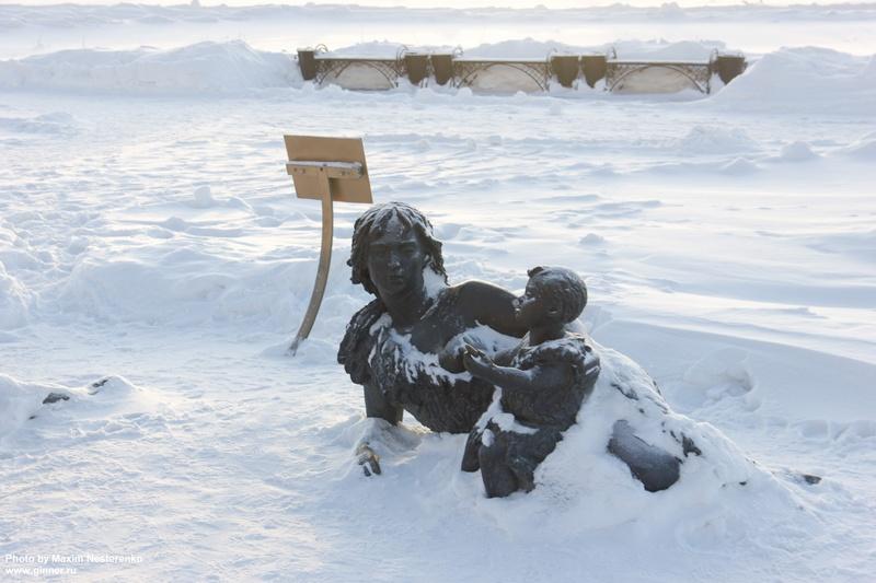 Скульптурная композиция Мамонты
